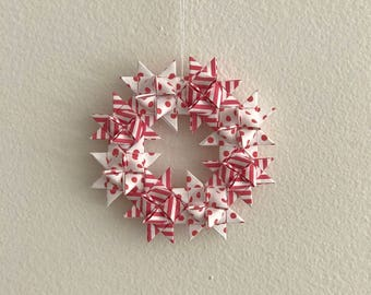 Moravian Star Wreath—Red Stripes & Polka Dots