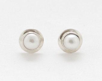 Silver Pearl Stud Earrings - Stud Earrings - Silver Earrings - Pearl - Handmade Earrings