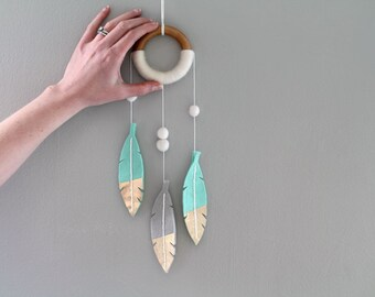 Nursery Dream Catcher. Mint Feather Wall Mobile. Felt Feather Decor. Small Dreamcatcher Wall Hanging for Nursery. Modern Tribal Nursery.