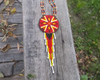native american necklace, native american beadwork