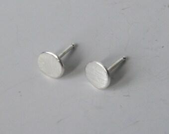 6mm Sterling Silver Dot Earrings, Modern Dot Earrings, Minimal Post Earrings, Silver Post Earrings, Silver Stud Earrings, Dots, 925