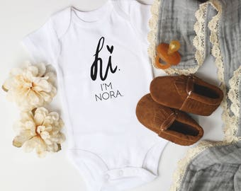 Name bodysuit, newborn, personalized , hi my name is, going home outfit, baby announcements, pregnancy announcements, baby gift