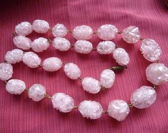 Vintage Lucite - pink beads necklace * 60 cm * France 1940