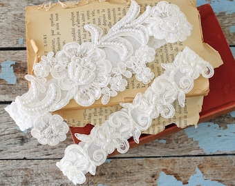 Pearl Beaded Lace Wedding Garter Set, Ivory Lace Garter Set, Wedding Garter Set Blue, Somthing Blue / GT-81