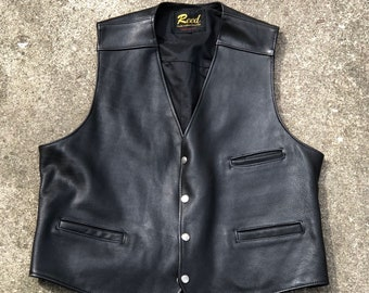 Flawless vintage pebble leather biker patch vest - Men's medium to large - No tag - good for layering with Denim - USA made by Reed Detroit