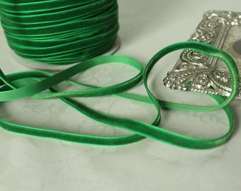 1/4 in Emerald Green Velveteen  / (6mm ) Green Velvet /   VRYM14-580