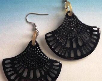 Horn fan earrings