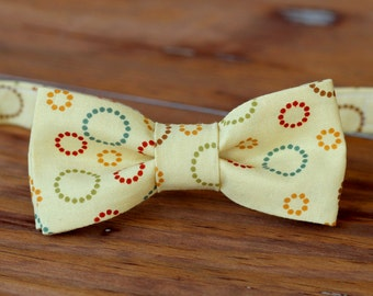 Boys Bow Tie - Cotton circle print bowtie for boy, infant toddler baby child preteen sizes, pre-tied adjustable, boys bow tie, cream red