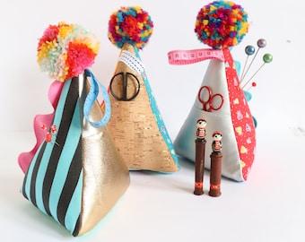 Tidy Mind pin cushion, pincushion, easy sewing pattern, scissor keep, sewing accessories, pin cushion PDF, needle minder