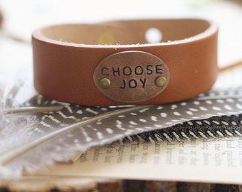 Choose Joy Leather Cuff Bracelet, Inspirational Jewelry, Mantra Bracelet, Yoga Jewelry, Mantra Jewelry, Yoga Bracelet, Stamped Leather Cuff