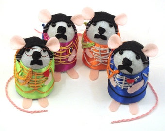 The Beatles Mice - Sgt. Pepper's Lonely Hearts Club Band collectable art rats artists mice felt mouse cute soft sculpture toy stuffed plush
