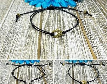 Paw Print Bracelet, Paw Bracelet, Dog Mom Bracelet, Animal Lover Gift, Dog Lover Gift, Macrame, Bracelet, Adjustable, String Bracelet