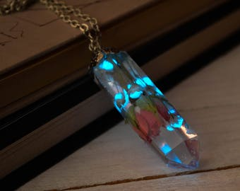 Glowing necklace with real rose inside /Glow in the dark necklace / Crystal point necklace / real flowers necklace