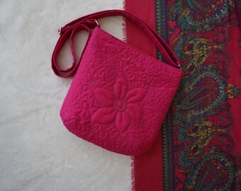 Floral quilted bag, Pink quilted tote bag, Pink shoulder bag, Festival bag, Floral crossbody bag, Pink messenger bag, Fabric tote bag
