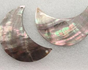 2 Pcs Black Lip Mother of Pearl Shells Half Moon Pendant