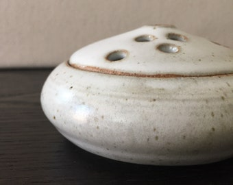 2 Piece Frog Vase: Recycle clay with Satin White Glaze
