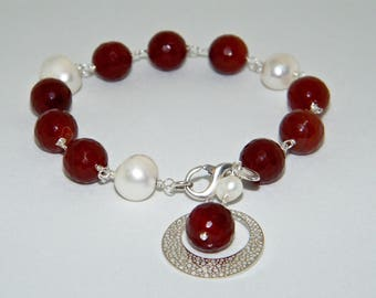 Silver bracelet 925 with carnelian and freshwater pearls