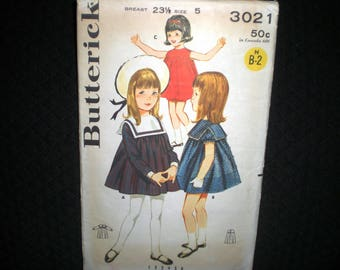 1960s Butterick 3021 Child Size 5 Gathered Smock Dress With Sleeve Variation