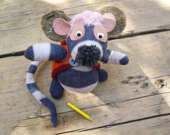 Little Artist Mouse or Rat, with a hoodie and a little removeable pencil in its pocket!