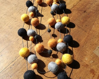 Felt and cotton necklace