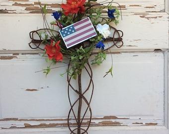 AG Designs Patriotic Decor - Grapevine Cross Wreath - Prim America Flag