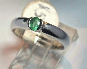 0.3 Ct Emerald Ring in 9 Ct White Gold