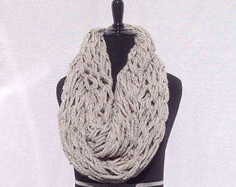 Chunky Infinity Scarf in Speckled Gray
