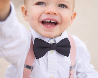 Blush Wedding Suspenders, Black Boys Bow Tie, Toddler Wedding Outfit, Ring Bearer Outfit, Baby Suspenders and Bow Tie Set, Baby Boy Bow Tie