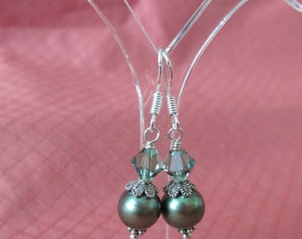 New HANDMADE STERLING Silver With GREEN Round Freshwater Pearls Cap 6 mm Green Crystal With French Style Ear Wires
