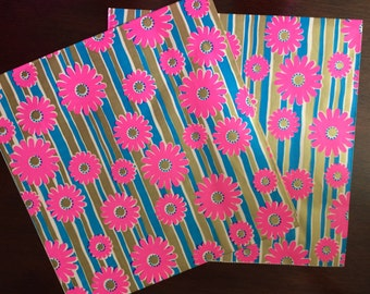 1970s MOD Floral Pink Daisy Gift Wrap Paper