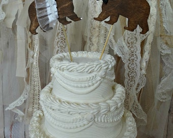 hunting Bear wedding cake topper-ivory veil-bear topper-bear lover-black bear-brown bear-wedding cake topper-hunting wedding-rustic wedding