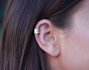 Gold Ear Cuff - Non-pierced Ear Cuff - Cartilage Clip - Ear Wrap - Faux Piercing - Helix Clip - Unisex Boho Ear Cuff - Simple Gold Ear Cuff