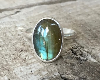 Simple Elegant Minimalist Oval Flashy Labradorite Sterling Silver Ring | Oval Labradorite Ring | Boho | Rocker | Simple Silver Ring