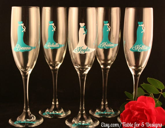 Set of 11 Personalized Wedding Champagne Flutes/ Glasses/ Wedding Dress/ Bridesmaid/ Maid of Honor/ Mother of the Bride/ Mother of the Groom