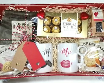 Couples mugs hamper with 4 different designs for weddings or anniversaries