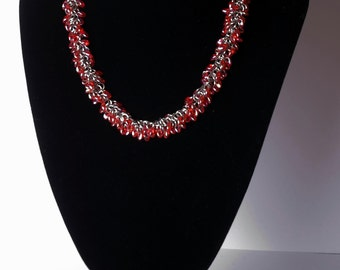 Beaded chainmaille necklace - Red AB