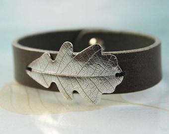 Silver Oak Leaf Bracelet - Leather Bracelet and Oxidised Sterling | Silver Bracelet, Woodland Nature Silver Detail, Bracelet for Men, Gift