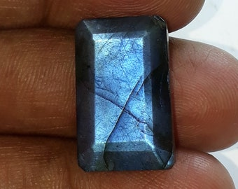 1 pice,natural faceted labradorite gemstone, blue flash, faceted cut stone, octagon shape,AAA quality, size 13x21x7 mm loose gemstone,18 cts