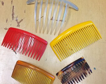 Vintage 1970s 1980s Lot of Five Mixed Sizes and Colors Hair Combs Large Hair Comb Small Hair Comb Novelty Retro