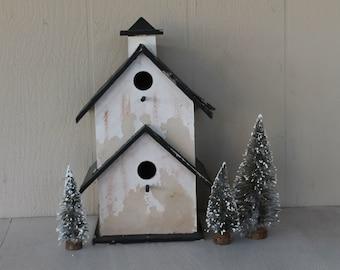 Vintage Shabby Birdhouse