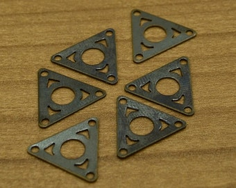 100 Pieces Antique Brass 12x14 mm Triangle Charm