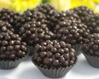 32x Brigadeiro Truffles  made with Gourmet Chocolate, Crispypearls, Edible gift, Handmade Chocolate candy, Gluten-Free