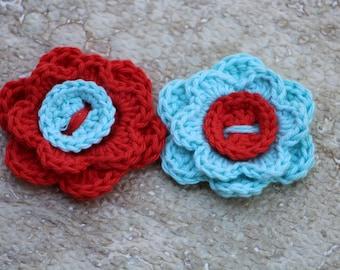 Crochet fleurs, fleurs, fleurs, au crochet bleu, Shabby chic home decor, printemps décor, Crochet applique, faux fleurs, lot de 2 fleurs