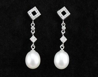 long pearl earings,bridal pearl earrings,8mm drop pearl wedding earings,pearl and crystal earring,brides earrings,pearl bridesmaid earrings