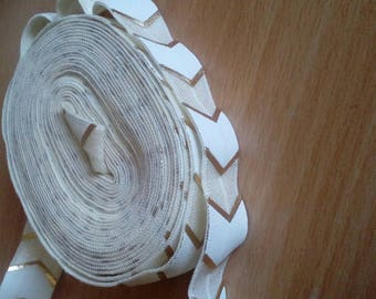 Ribbon 15mm wide beige herringbone elastic white gold