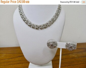 On Sale TRIFARI Vintage Textured Necklace and Earring Set Item K # 1843