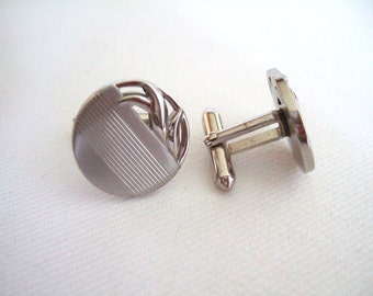 Swank Silver Tone Cufflinks Vintage Jewelry Off the Cuff Gifts for Him Mid-century Jewelry Cool Gifts Mens Jewelry Suave Gift Under 35
