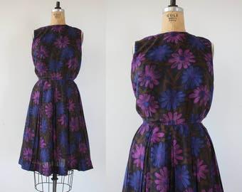 vintage 1960s dress / 60s floral print dress / 1960s hidden figures dress / purple blue floral print dress / pleated skirt dress / medium
