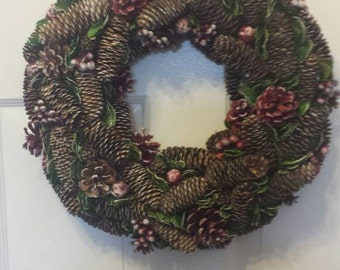 Christmas wreath / holiday wreath / front door wreath / door wreath / pinecones wreath / pinecone