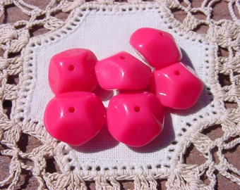 HOT Pink Facetted Nugget Vintage Lucite Beads
